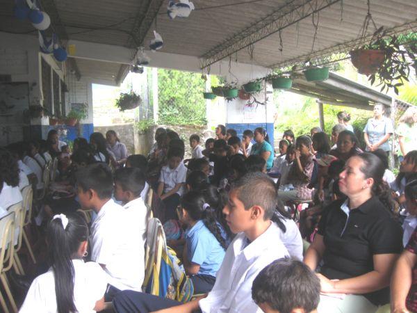 COFOA Leaders Hold Gangs/Violence Workshop In Canton, El Salvador