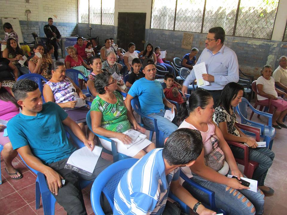 Family Dialogue At San Juan Tepezontes